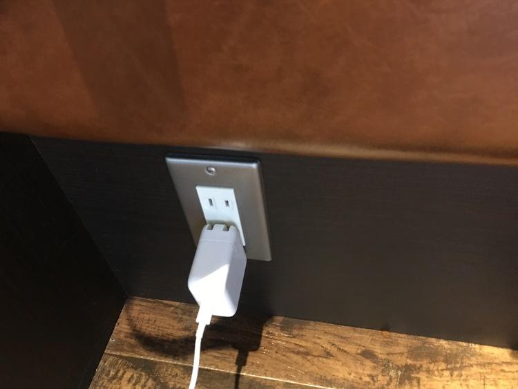 八王子珈琲店の電源コンセント