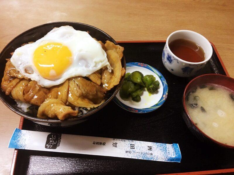 滝川高田屋食堂のチャップ丼卵乗せ