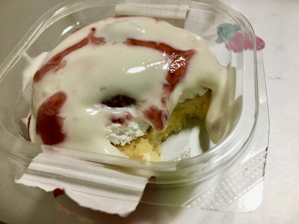 ファミマいちごのパンケーキのスポンジ部分
