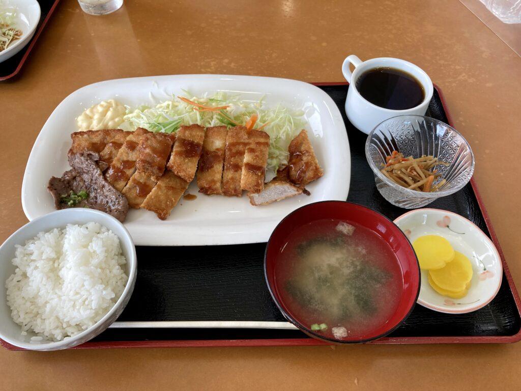 江別ホルモン食堂の豚ロースカツ定食